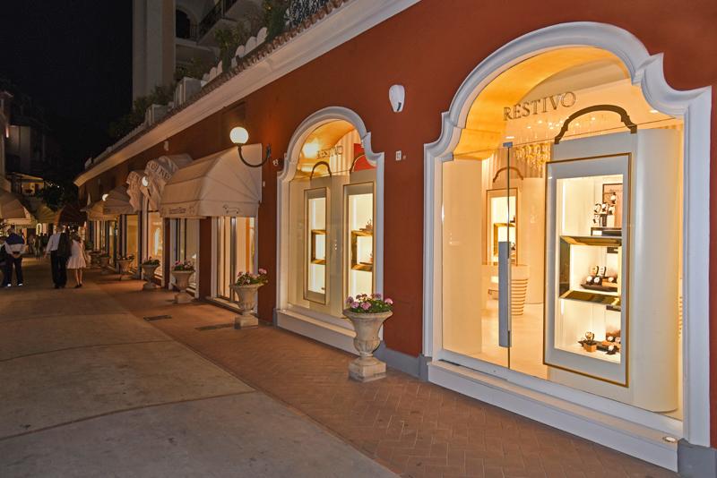 Capri, in via Camerelle 12. Esterni.